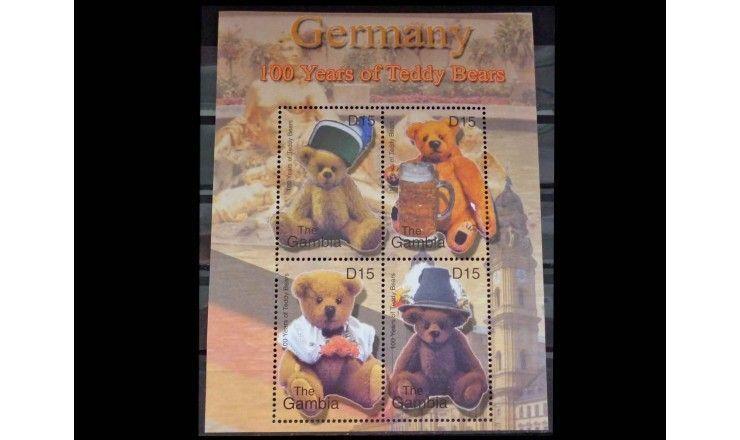"""Гамбия 2002 г. """"100 лет мишке Тедди"""""""