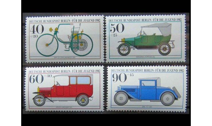 """Западный Берлин 1982 г. """"Молодежь: исторические автомобили"""""""