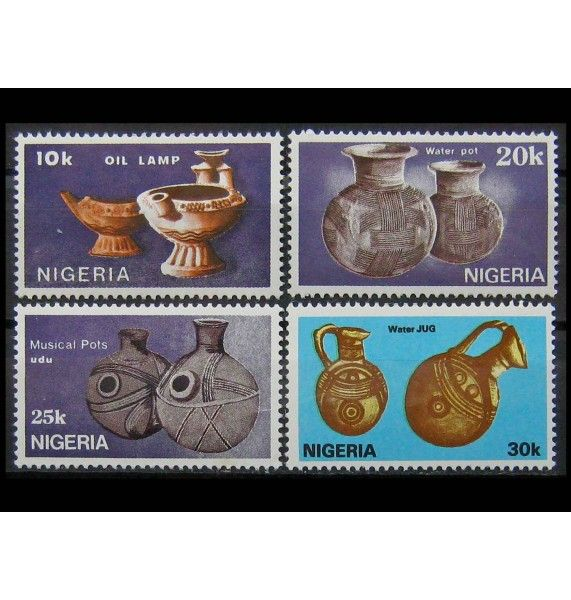 "Нигерия 1990 г. ""Глиняная посуда"""