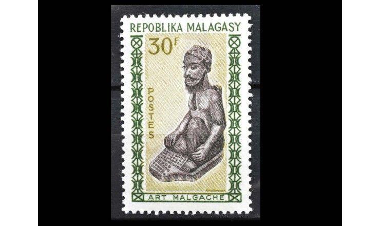 """Мадагаскар 1964 г. """"Стандартные марки: Мадагаскарское искусство резьбы по дереву"""""""