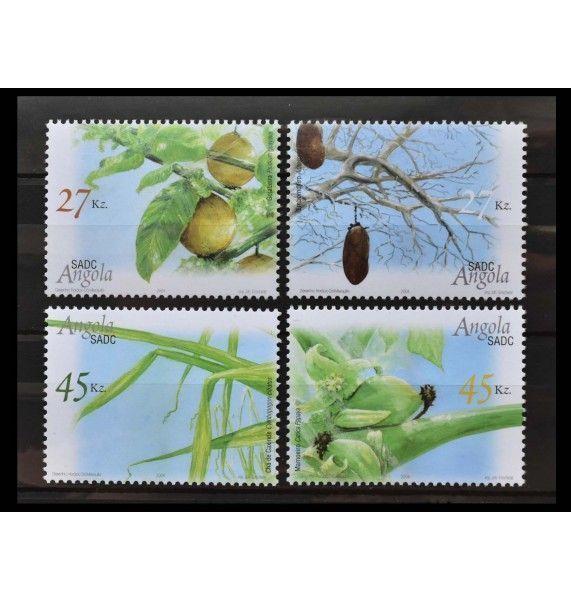 """Ангола 2004 г. """"Полезные растения"""""""